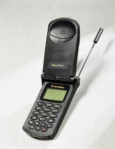Motorola StarTAC / TechNews24h.com