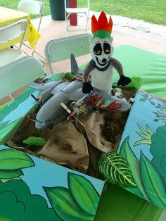 King julian and madagascar airplane madagascar party theme plush toy