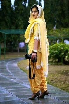 Indian Suits, Indian Attire, Indian Wear, Kurta Pajama Punjabi, Punjabi Dress, Patiyala Dress, Patiala Salwar Suits, Punjabi Girls, Boutique Suits