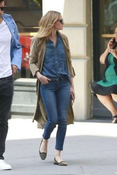 chambray-shirt-with-cardigan-outfit