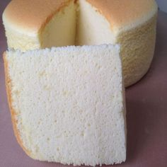 Japanese Cotton Cheesecake, 3 cakes, different temperatures/timing, different… Japanese Cotton Cheesecake, Japanese Cheesecake Recipes, Bad Cakes, Cotton Cake, Cake Tasting, Savoury Cake, Let Them Eat Cake, Clean Eating Snacks, Cupcake Cakes