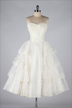 vintage 1950s dress . ivory embroidered tulle by millstreetvintage