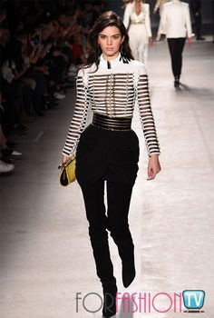 Transparent: Kendall Jenner breezed through the Balmain X H&M fashion show in NYC on Tuesday in a couple of bold outfits including a see-through blouse with black trousers Kendall Jenner Outfits, Kendall Et Kylie, Kylie Jenner, Kendall Jenner Mode, H&m Fashion, Fashion Week, Couture Fashion, Runway Fashion, Fashion Show