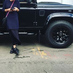 My lady has good taste in wheels and sneakers #defender #landrover #landroverdefender #nike by markmoffitt My lady has good taste in wheels and sneakers #defender #landrover #landroverdefender #nike