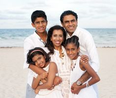 Family Photo Session in Miami Beach © tovaphotography.com