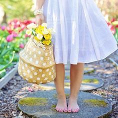 4 Aligned Tips AND Tricks: Pretty Backyard Garden modern backyard garden mid century.Backyard Garden Design How To Grow. Look Thinner, Spring Fashion Trends, Belleza Natural, Fashion Advice, Fashion Ideas, Fashion Inspiration, Affordable Fashion, Women's Fashion Dresses, Street Style Women