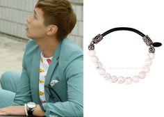 "Ji Hyun-Woo in ""Trot Lovers"" Episodes 1-2.  Mzuu white bead bracelet #Kdrama #TrotLovers  #트로트의연인 #JiHyunWoo #지현우"