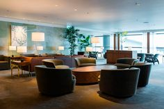 Ilse Crawford of StudioIlse London is taking airport lounge design to new heights (pun intended). Airport Lounge, Forest Bathing, Lounge Design, Contract Furniture, Hospitality Design, Modern Interior Design, Decorating Tips, Branding Design, Table