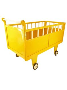 yellow cool bed on wheels ;) - 280e