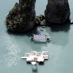 """Dive in"" theater in Thailand"