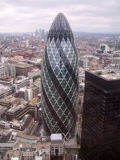 30 St Mary Axe is a skyscraper in London's financial district, the City of London, completed in December 2003. Aarchitects: Foster and Partners