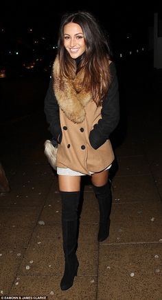 Michelle Keegan shows off her slim legs in black thigh-high boots Emily Ratajkowski Outfits, Celebrity Boots, Black Thigh High Boots, Michelle Keegan, Fur Collar Coat, Girls In Mini Skirts, Famous Girls, Sexy Boots, Slim Legs