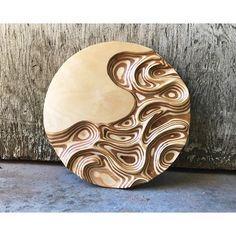 No photo description available. Cool Woodworking Projects, Wood Projects, Woodworking Chisels, Plywood Art, Wood Carving Art, Wood Carvings, Rustic Wood Walls, Wooden Wall Art, Wood Sculpture