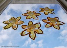 Fun at Home with Kids: {Guest Post} Toddler-Made Spring Suncatchers