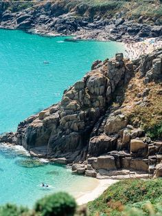 Tips for Visiting Pedn Vounder Beach in Cornwall Porthcurno in Cornwall Cornwall England, Devon And Cornwall, Yorkshire England, Yorkshire Dales, Lands End Cornwall, Devon England, Most Beautiful Beaches, Beautiful Places, Places To Travel
