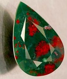 Bloodstone (Heliotrope) - my favourite gemstone. Crystals Minerals, Rocks And Minerals, Stones And Crystals, Gem Stones, Birthstone Gems, Red Gemstones, Beautiful Rocks, Mineral Stone, Rocks And Gems