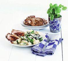 Mediterrane gnocchi met courgette & basilicumsaus - Recept - Jumbo Supermarkten