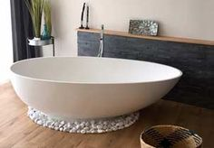 Campione glänzend – Badezimmer ♡ Wohnklamotte, You can collect images you discovered organize them, add your own ideas to your collections and share with other people. Bathroom Bath, Interior Design Studio, Pent House, Home Staging, Modern House Design, Bathroom Inspiration, Decoration, Diys, Home Decor