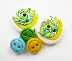 Mr Snail  set of 5 polymer clay buttons by ayarina on Etsy, $6.50