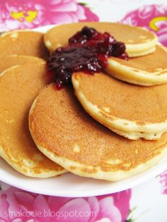 Yogurt Pancakes, Brunch, Food Platters, Tortilla, Nigella, Pizza, Deserts, Dinner Recipes, Good Food