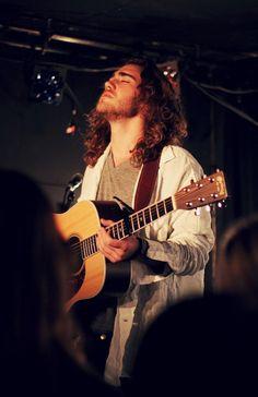 Matt Corby. i would marry him <3