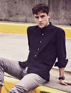 Connor Franta for Kenneth Cole Spring 2018 Teen Guy Fashion, Mens Fashion, Connor Franta, Troye Sivan, Wavy Hair, Pretty Boys, Beautiful Men, People, Style Inspiration