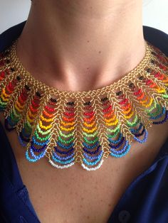 beatiful rainbowcoloured beadded pearlnecklace