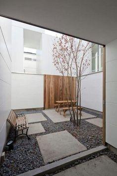 주택 건축시 가장 유용하게 사용되는 중정 공간 이곳 동탄가든뷰에도 중정 공간이 있습니다. 위 사진은 동...