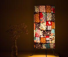 Luminária revestida com retalhos de tecidos diversos! <br> <br>Obs* Foto ilustrativa, os retalhos podem ser alterados sem aviso prévio!