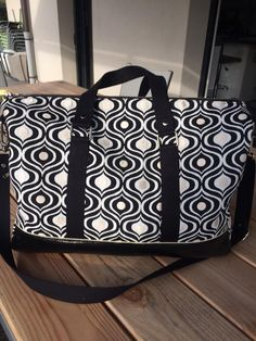 Sac Boston noir et blanc cousu par Delphine - Patron sac weekend Sacôtin