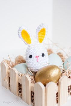 Use this crochet easter bunny pattern to make a friend for a little one. Add a bell inside and it makes a rattle!