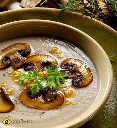 Βελουτέ σούπα με λευκά μανιτάρια - gourmed.gr Greek Recipes, Desert Recipes, New Recipes, Soup Recipes, A Food, Good Food, Food And Drink, Vegan Vegetarian, Vegetarian Recipes