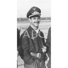EL PILOTO ESPAÑOL CARLOS TEXIDOR EN RUSIA CON LA ESCUADRILLA AZUL, RAMA AÉREA DE LA DIVISIÓN AZUL:1942 (CA.) Descarga y compra fotografías históricas en | abcfoto.abc.es