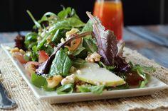Light Pear Walnut and Creamy Gorgonzola Salad Recipe, raspberry vinaigrette salad, Pear Salad with Glazed Walnuts . Vegetarian Salad Recipes, Healthy Salads, Healthy Recipes, Yummy Recipes, Recipies, Gorgonzola Salad Recipe, Pear Salad, Goat Cheese Salad, Caramelized Onions