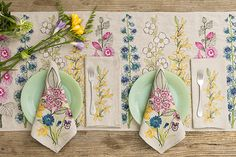 Spring blooms to brighten up this grey rainy day in NYC! Flowers table runner was also featured recently in - this is one of our favorites for tabletop with coordinating laurel flower napkins! by coralandtusk Kids Watercolor, Watercolor Disney, Watercolour, Laurel Flower, Coral And Tusk, Flower Sketches, Spring Blooms, Dream Decor, Home Textile