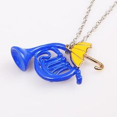 Colar Trompa Azul e Guarda Chuva Amarelo How I Met Your Mother, Yellow Umbrella, French Horn, Himym, I Meet You, Best Christmas Gifts, Pendant Necklace, Stupid, Cancer