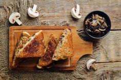 Tosti marathon: de 9 lekkerste tosti recepten | Smulweb Blog Tuna Melts, Tzatziki, Nigella, Marathon, Ham, French Toast, Lunch Ideas, Breakfast, Blog