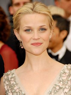 Reese Witherspoon's hair, up-do, celeb hairstyles, Oscars hair, updo