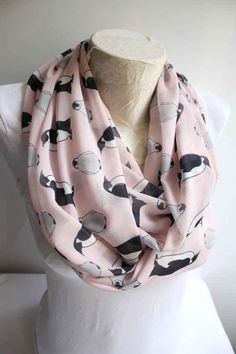 Penguin Scarf Penguin Gift Funny Animal Gift Winter Fashion Pink Accessories Present for Her Cute Penguin Xmas Gift Best Friend Birthday Différents Styles, Scarf Styles, Circle Scarf, Loop Scarf, Penguin Love, Penguin Craft, Penguin Parade, Cute Scarfs, Baby Penguins