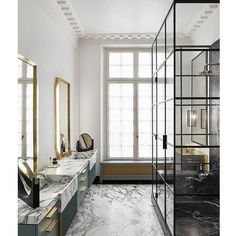 Since Humbert & Poyet design luxury restaurants, hotels and private residences across the globe. Known for their use of noble materials, contrasts and the creation of timeless and glamour interiors. Parisian Bathroom, Modern Bathroom, Master Bathroom, Bathroom Inspo, Rental Bathroom, Classic Bathroom, Bathroom Ideas, Marble Bathroom Floor, Marble Floor