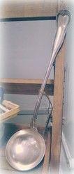 Suuri ranskalainen hopeoitu kauha, Christoflen valmistama   La Petite Provence - tuoksuja ja tunnelmaa kotiin sekä lahjaksi (Hallinta) 25e Provence, Provence France