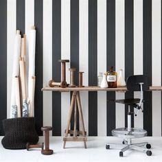 die schönsten schwarz-weiß interiors | streifen tapete, schwarz ... - Tapete Schwarz Wohnzimmer