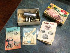 Vintage Cake Decorating Set in Original Box Tala Icing Set | Etsy Cake Decorating Set, Icing, The Originals, Etsy, Vintage