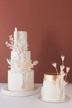 Square Wedding Cakes, Wedding Cake Designs, Wedding Cake Toppers, Cake Wedding, Creative Wedding Cakes, Elegant Wedding Cakes, Cake San Diego, Flower Cake Design, Bohemian Cake