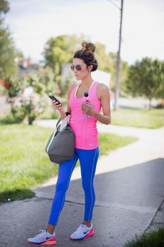4 Colorful Workout Looks Fitness Outfits, Cute Workout Outfits, Workout Attire, Workout Wear, Fitness Fashion, Neon Workout Clothes, Sport Fashion, Look Fashion, Fitness Inspiration