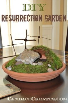 Looking for a family friendly Easter craft? Check out this DIY Resurrection Garden, a perfect addition to bring Christ into your Easter holiday home decor! Easter Prayer Stations, Easter Prayers, Prayer Garden, Christian Crafts, Little Gardens, Diy Ostern, Easter Crafts For Kids, Easter Play, Easter Holidays