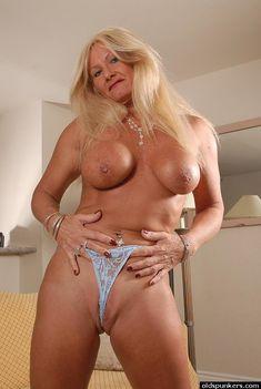 Sexy granny nude pics