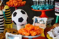 Festa Palavra Cantada | Macetes de Mãe Birthday Cake, Desserts, Diy Home, Kids Part, Ideas, 1 Year, Fiestas, Tailgate Desserts, Deserts