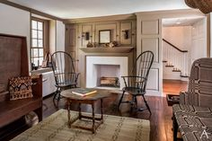 primitive homes pictures Primitive Homes, Primitive Living Room, Primitive Country, Primitive Decor, Primitive Antiques, Colonial Home Decor, Colonial Decorating, Early American Homes, Farmhouse Architecture