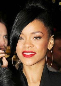 Rihanna.. Fashion and Makeup Maven!